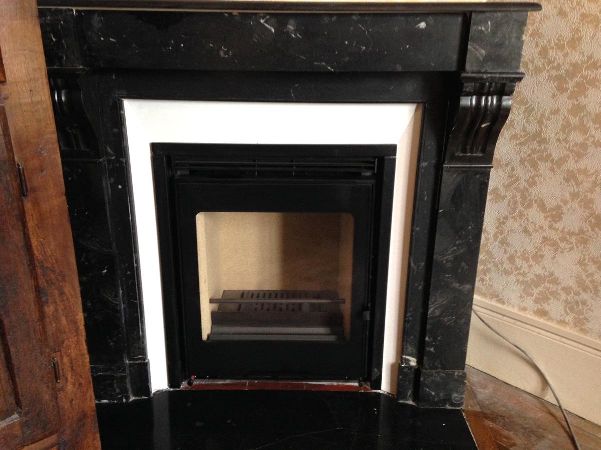 Installation de chemin es anciennes avec inserts modernes le plaisir du feu - Installer poele a bois dans cheminee ancienne ...