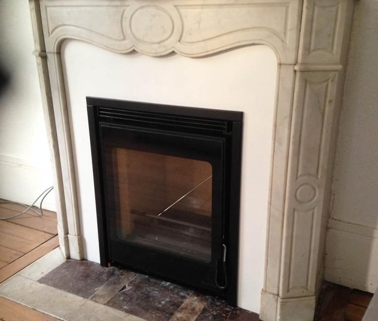 installation d une chemin e pompadour ancienne avec un insert le plaisir du feu. Black Bedroom Furniture Sets. Home Design Ideas